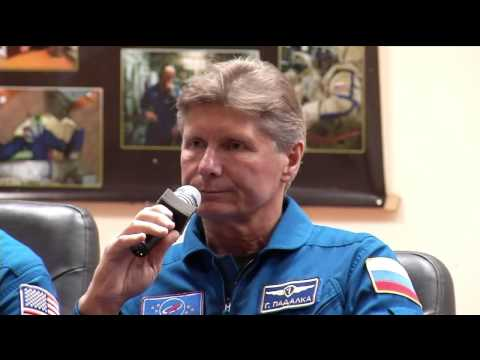 Next ISS Crew Meets Officials as Launch Approaches
