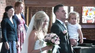 Groom surprises bride with singing at wedding