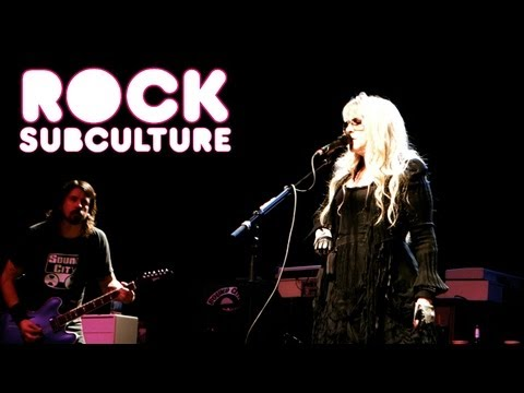 Sound City Players &#039;Gold Dust Woman&#039; with Stevie Nicks and Dave Grohl at Hollywood Palladium