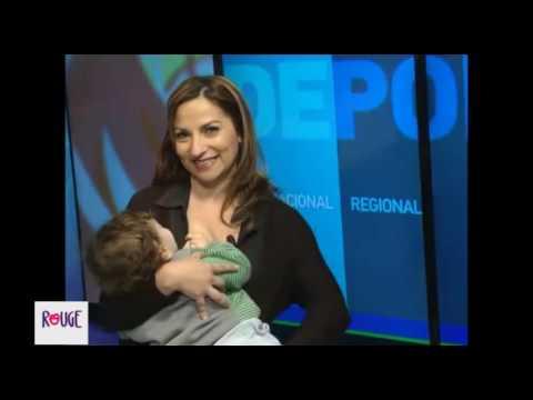 En un noticiero de Rio Negro amamantan a sus hijos en vivo