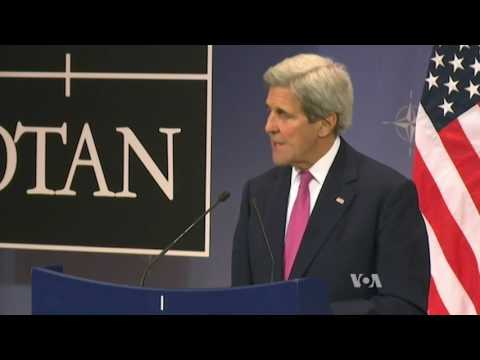 Kerry Heads to Paris in Hopes of Re-starting Mideast Talks