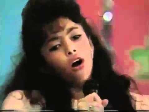 Shakira singing at 11 years of age