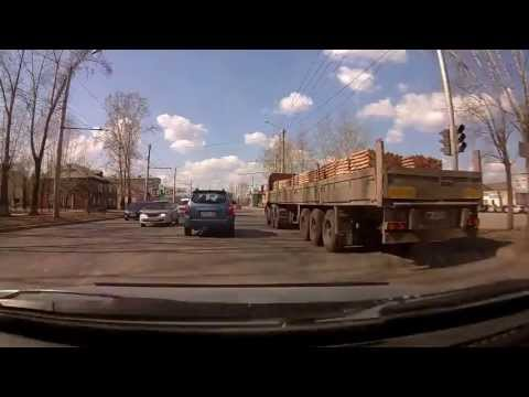 Затупил.  Авария красноярск калинина 16.04.2013