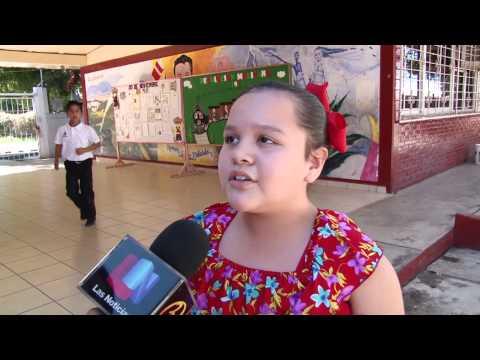 Escuelas de nivel básico celebran el 104 aniversario de la Revolución Mexicana en Culiacán.