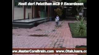 midbrain activation world MCB - Vina is riding bicycle blindfolded - video anak MCB Tulungagung