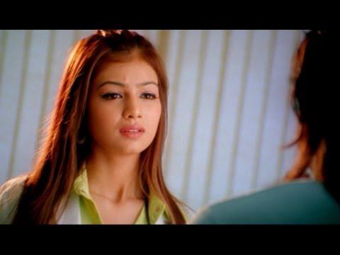 Nagarjuna Introducing Himself to Ayesha Takia || Super Movie...