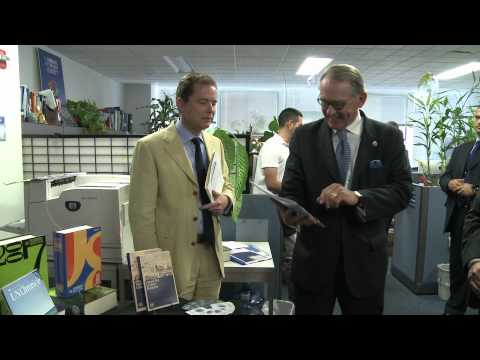 Deputy Secretary-General Jan Eliasson visits the United Nations Department of Public Information
