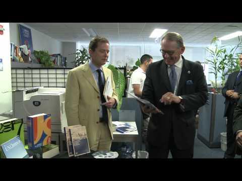Deputy Secretary-General Jan Eliasson visits the United Nations Department of Public Information