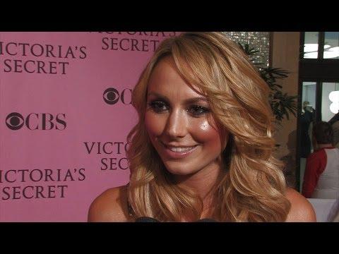 'victoria's Secret Fashion Show' Dressing Room & Red Carpet video