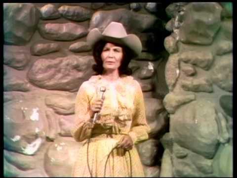 Loretta Lynn - Ackson Ain