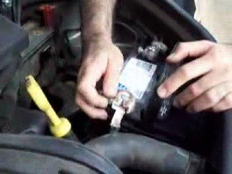 How To: Change a PT Cruiser car battery
