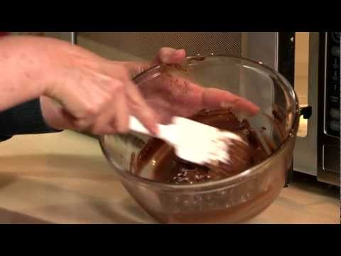 Melting Chocolate (Microwave) from HERSHEY'S Kitchens