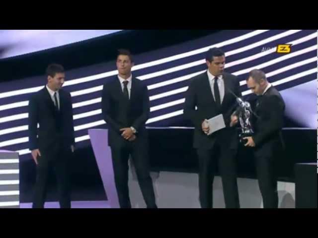 ► Iniesta ◄ , elegido mejor jugador de Europa (2011- 2012)