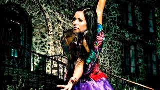 Watch Lila Downs La Cucaracha video