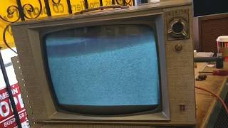 """Servicing an early 60s zenith model K2127 19"""" B&W television Part 2/?"""