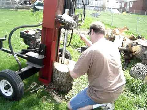 Home Made 34 Ton 8 HP Hydraulic Log Splitter - welding project.  Part 3