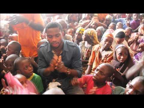 Joseph Yobo visits motherless babies home.