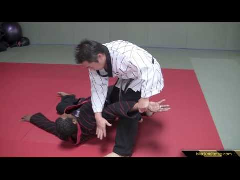 Hapkido Techniques vs. Long-Range Roundhouse Kicks Demonstrated by Han Woong Kim Image 1