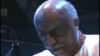 "Mulatu Astatke - Yekermo Sew /""የከርሞ ሰው""/ (Amharic)"