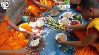 Cambodian Street Food - Wow! Amazing Monks Cooking Food - Khmer Food - Fried Chicken and Pork
