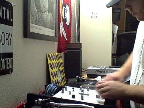 DJ WIZZ KID SCRATCHING 2