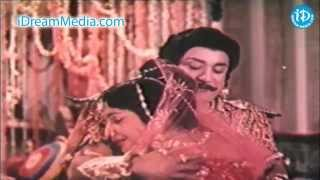 Karna Movie - Sivaji Ganesan, Devika Good Scene