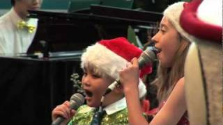 Do Tri Dung sings Twinkle Twinkle at Hello Music Carols by Twilight Australia