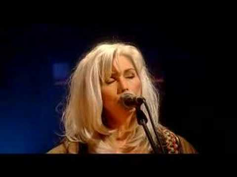 Emmylou Harris - How She Could Sing The Wildwood Flower