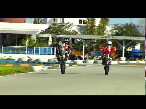 Terol y Folger entrenando supermotard en Oliva