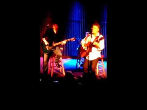 Suitcase Blues-Rik Emmett&Dave Dunlop