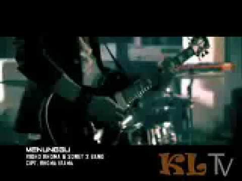 RIDHO RHOMA - MENUNGGU Video