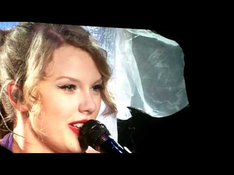Taylor Swift covering Bryan Adams Summer of 69 in Vancouver...