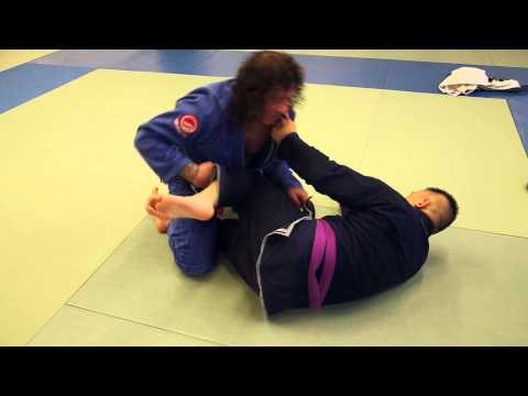 Kurt Osiander's Move of the Week - Shield Guard Pass Image 1