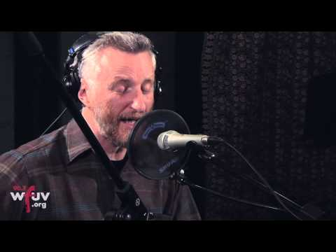 Billy Bragg - &quot;Greetings to the New Brunette&quot; (Live at WFUV)