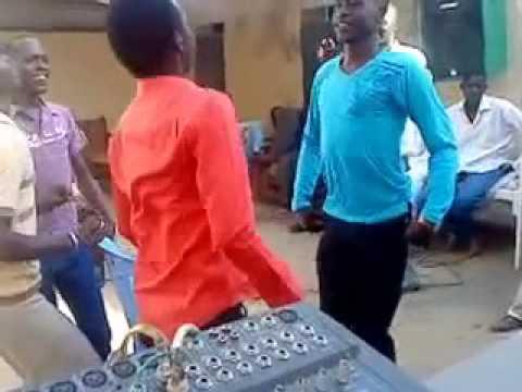 رقص سوداني مضحك thumbnail