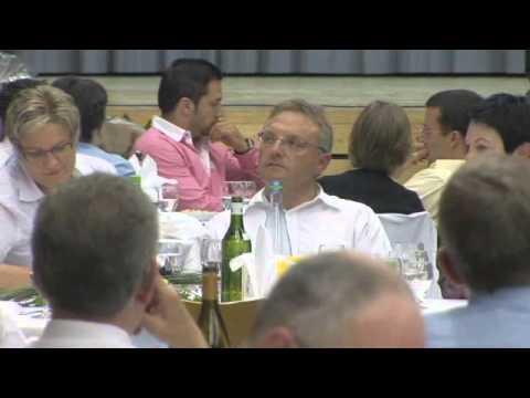 Glarus feiert den BDP Landratspräsident Richard Lendi