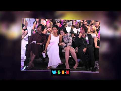 Katy Perry Gets Touchy at the VMA's - The Buzz