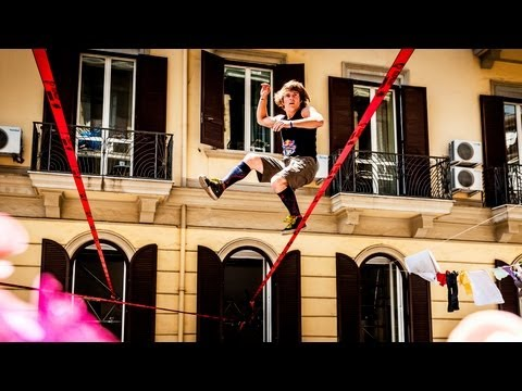 Slacklines replace Clotheslines in Italy - Red Bull Airlines 2013