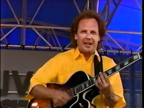 Larry Carlton & Lee Ritenour At Newport Jazz Festival 1995 playing