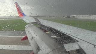 HD | Southwest Airlines 737-700 Stormy Descent & Landing at Dallas Love Field