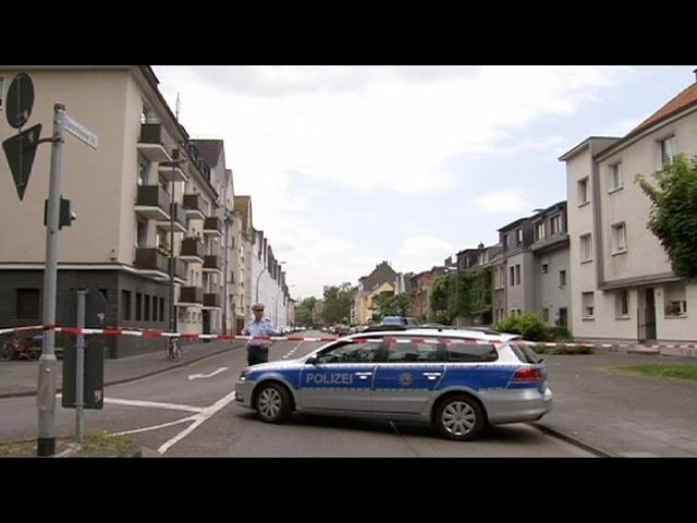 Thousands evacuated in Cologne as WWII bomb is defused