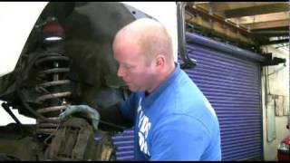 LandroverWorkshopDVD.com How to change a land rover range rover wheelbearing brake disc hub caliper