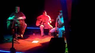download lagu Blackout Unplugged - 'runaway Train' By Soul Asylum gratis