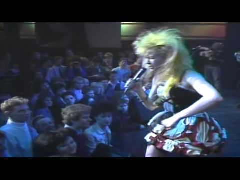 Cyndi Lauper  What39s Going On - The Tube - 1986.