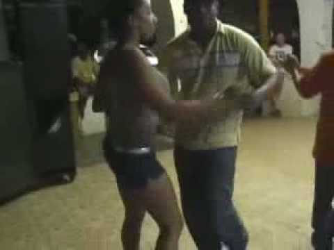 Bailando bachata Video