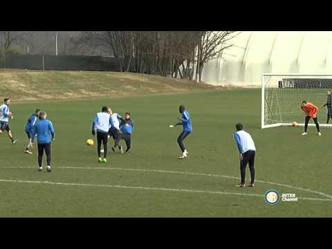 Beautiful goal Roberto Mancini during Inter training session