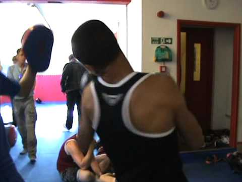 Reece Diaz warm up for second boxing match 29/09/12