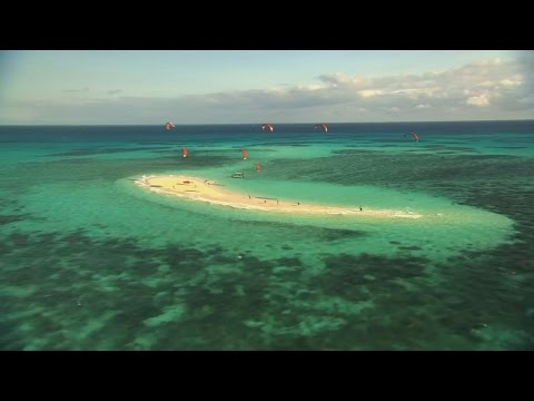 Kitesurfers make World Record attempt on the Great Barrier Reef for MND/ALS