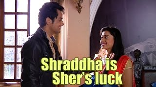 Download SHER MAKES SHRADDHA SMILE From the sets of Piya Rangrez 3Gp Mp4