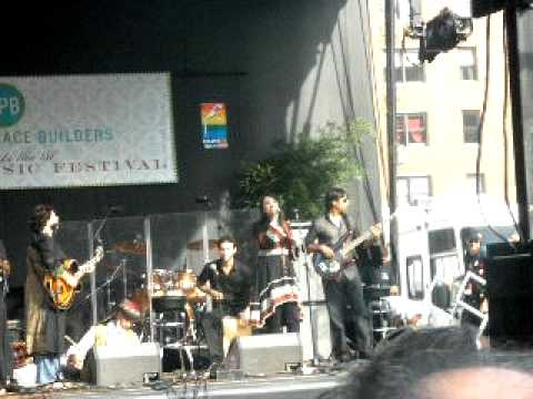 Bibi Sanam Janam (LIVE at Union Square at the Sufi Festival) July 20, 2010 !!